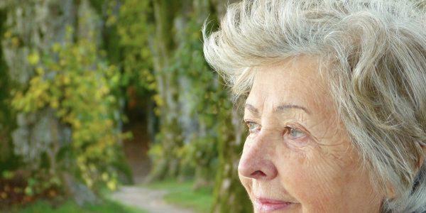Combate el envejecimiento con cremas antiedad y descubre de nuevo el frescor en tu piel