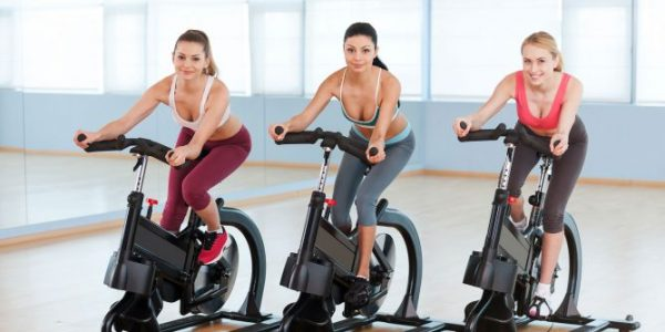 Monta tu propio gimnasio de alto rendimiento con cualquiera de estas bicicletas de spinning