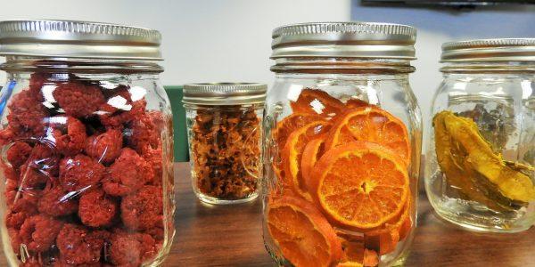 Compra alguno de estos deshidratadores que hemos encontrado en oferta para preservar más tiempo tus alimentos