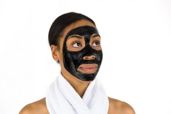 Regálate cualquiera de estas máscarillas para el cuidado de la cara y mantén tu rostro sano
