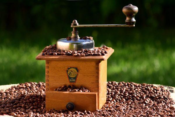 Obtén tu mejor mezcla en esta selección de molinillos de café que te proponemos para comprar