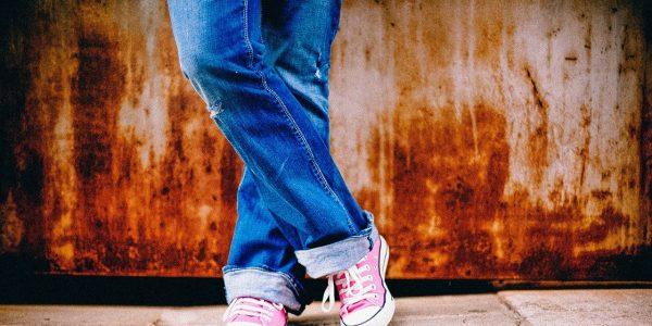 Un clásico que nunca puede faltar en tu fondo de armario, los pantalones vaqueros relaxed