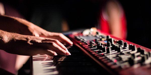 Completa selección de pianos digitales en la que seguro encontrarás la ocasión que buscas