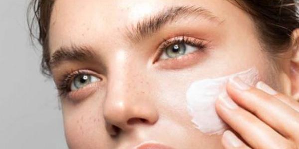 Mejores cremas hidratantes con ácido hialurónico 2021