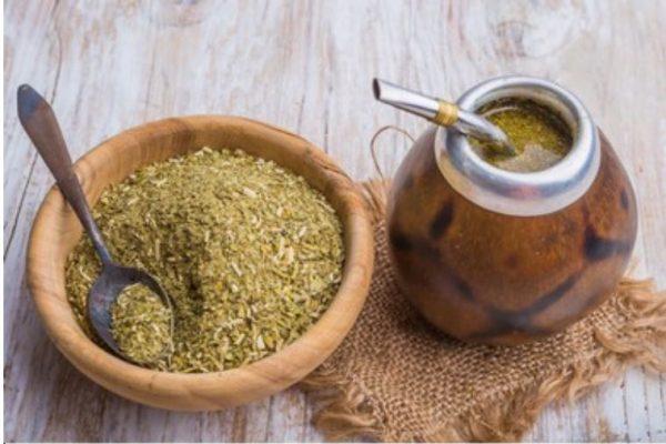 infusiones beneficiosas para la piel - hierba mate
