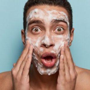 Mejores limpiadores faciales para hombre