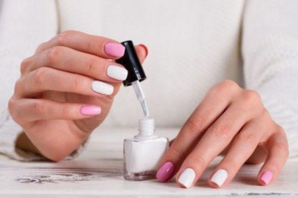 Esmaltes de uñas secado rápido recomendados en Amazon