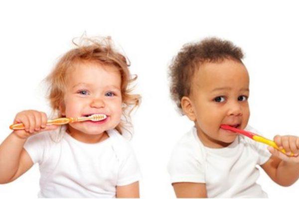 Pasta de dientes para niños:¿ con o sin flúor?